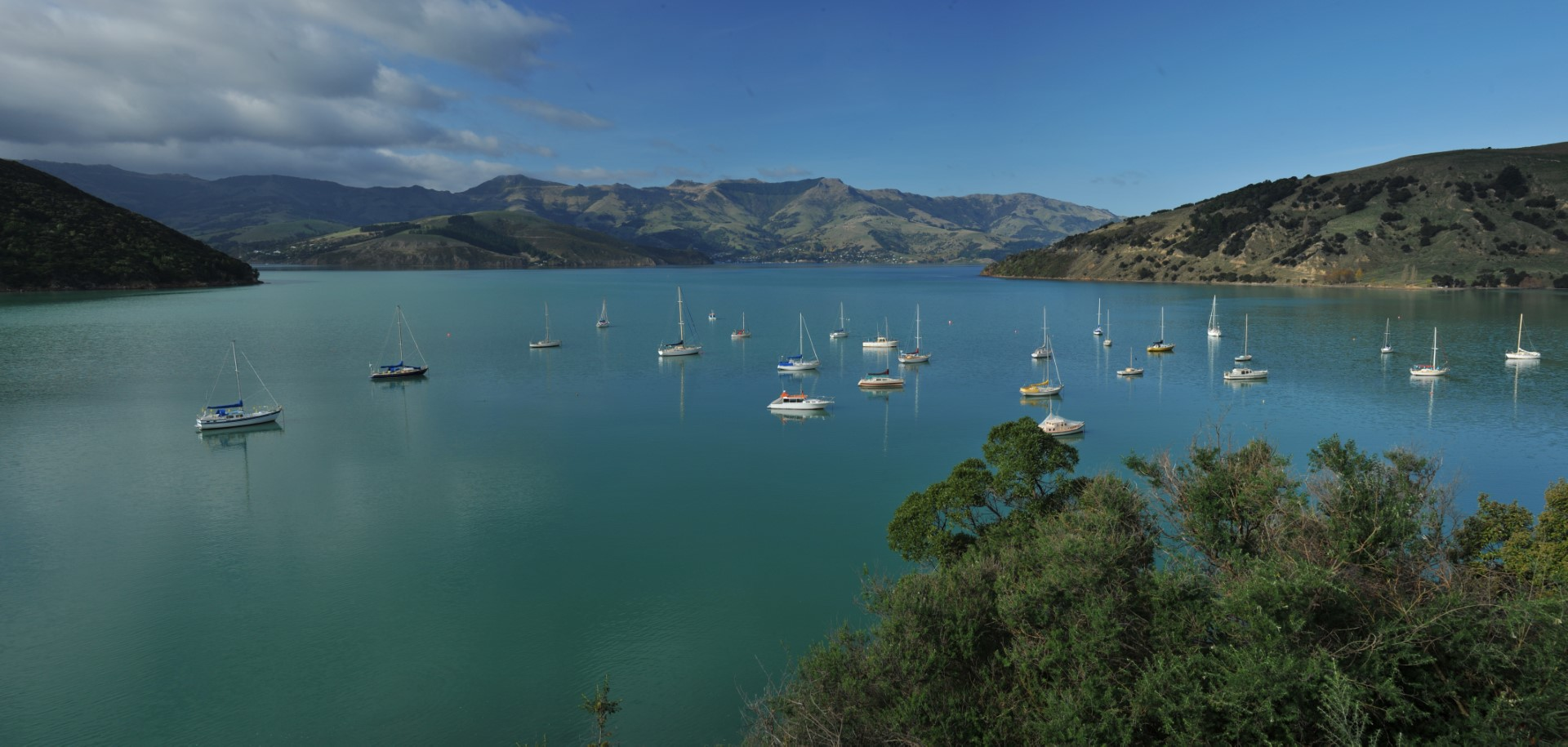 French Farm Bay, Banks Peninsula bei Christchurch, Photo Credit: Tourism New Zealand French Farm Bay, Banks Peninsula bei Christchurch, Photo Credit: Tourism New Zealand